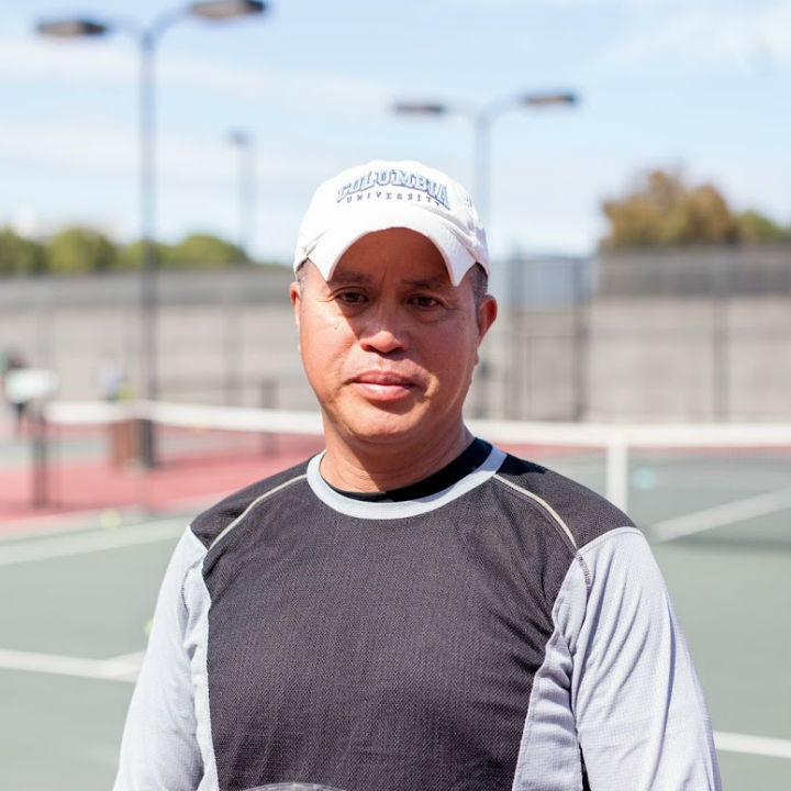 Tennis Teacher Lloyd Barddito